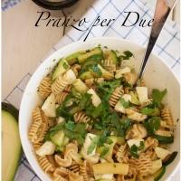 Pranzo per Due: Pasta Integrale con Avocado e Zucchine